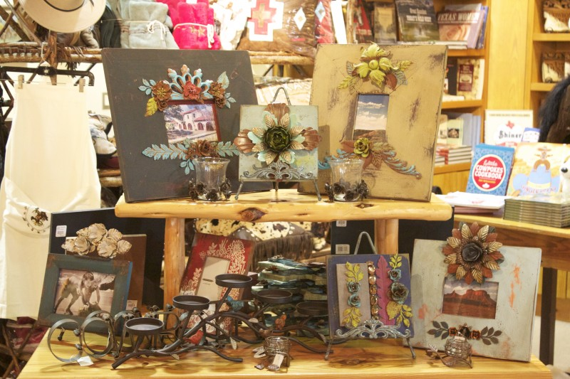 decorative goods at Pinto Ranch