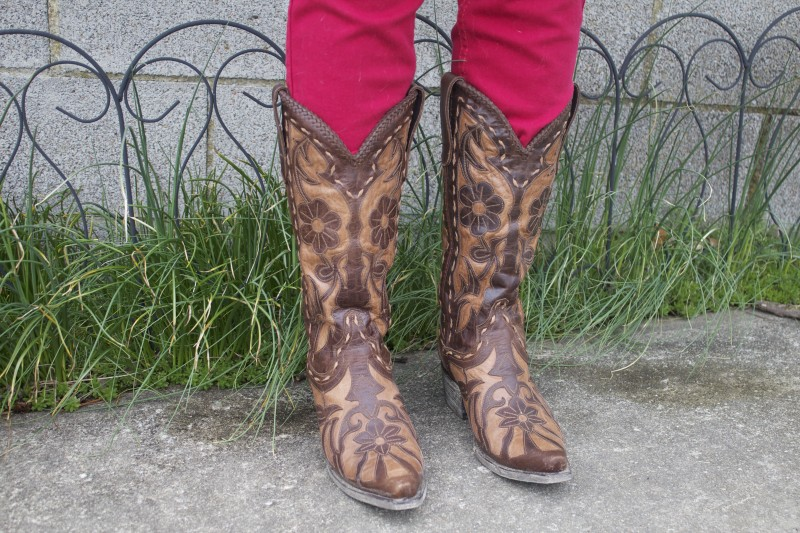 Lane Boot cowboy boot giveaway from Langston's on Horses & Heels