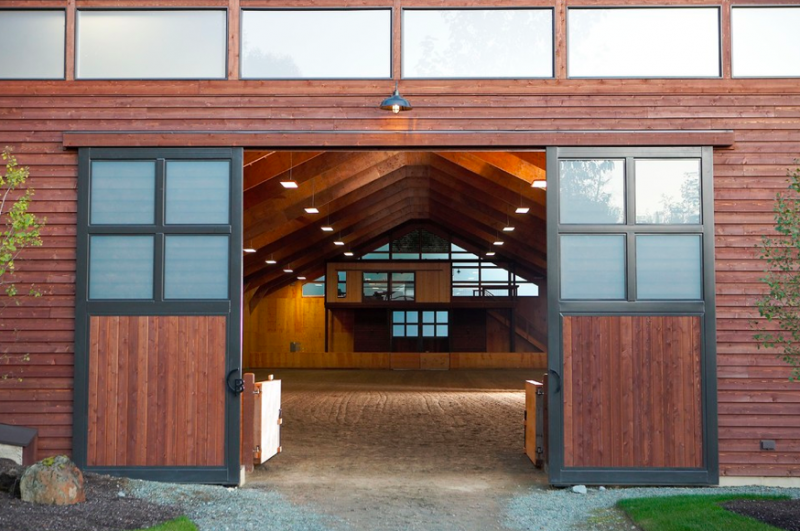 Entrance-to-indoor-riding-arena