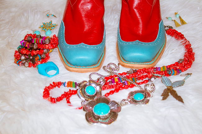 red and turquoise toes with jewelry