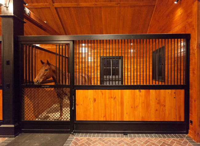 stable style: barrington hills barn | horses & heels
