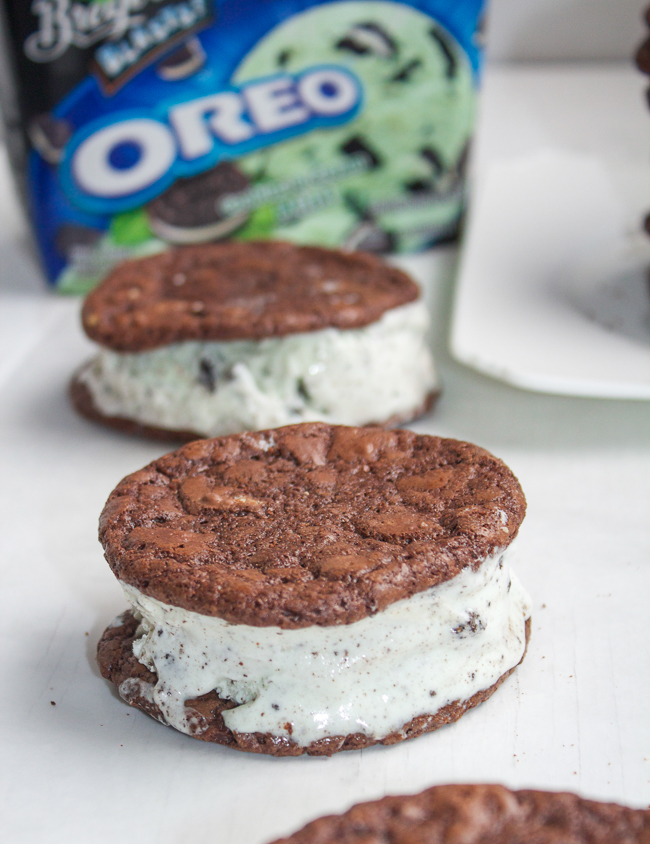 Thin Mint Ice Cream Cookie Sandwiches