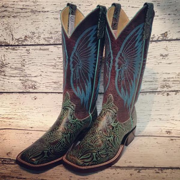 3 Must Have Boots from Mule Barn Boutique