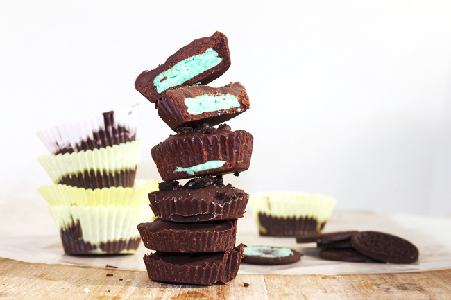 Chocolate Mint Cups, a simple dessert made with Oreo filling