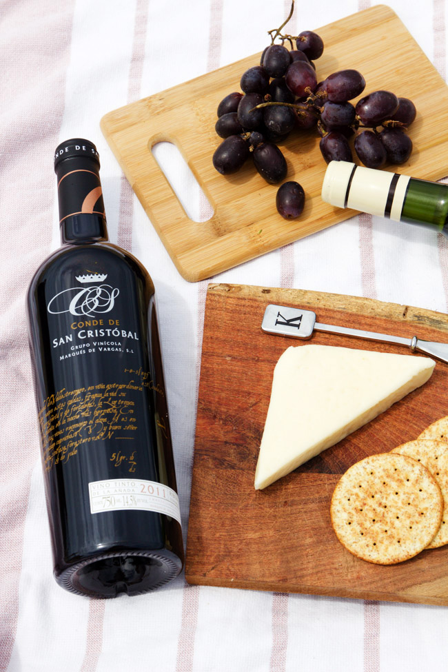 Ribera Del Dueo Wine with Cheese and Crackers
