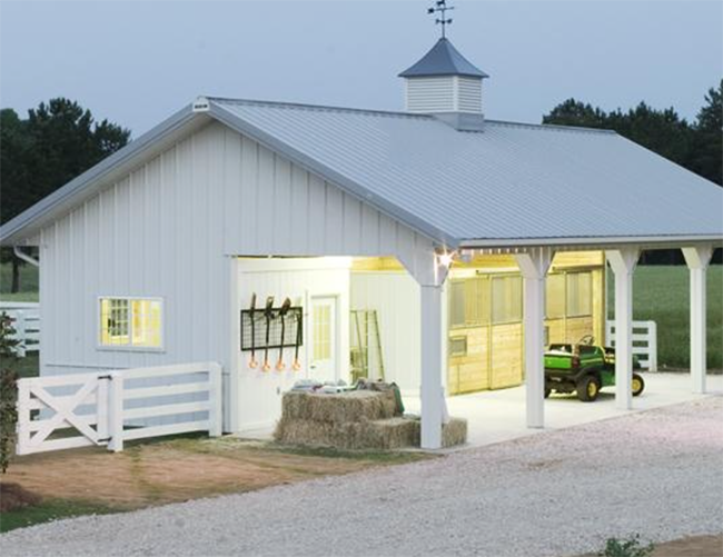 Small Horse Barn With Storage