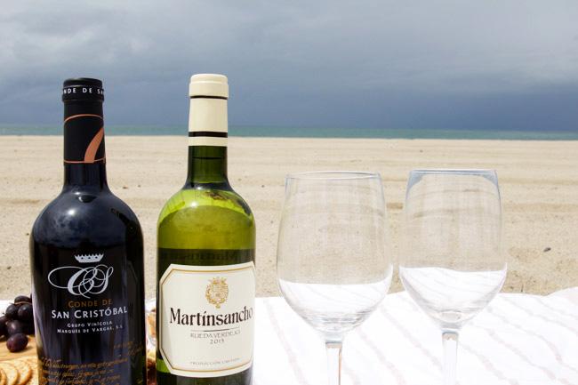 Wine break at the beach