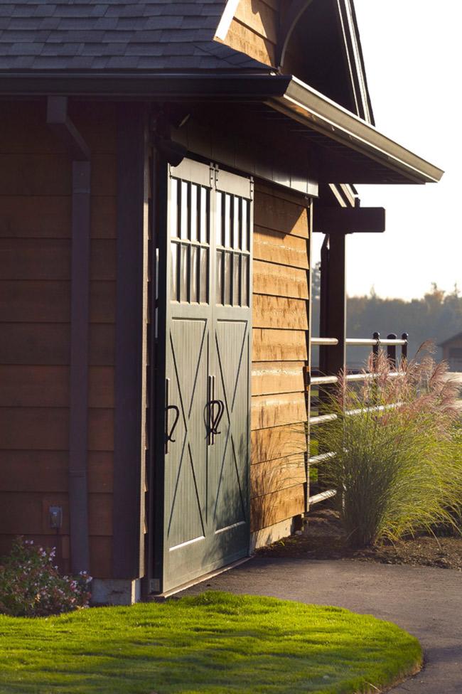 Barn door details