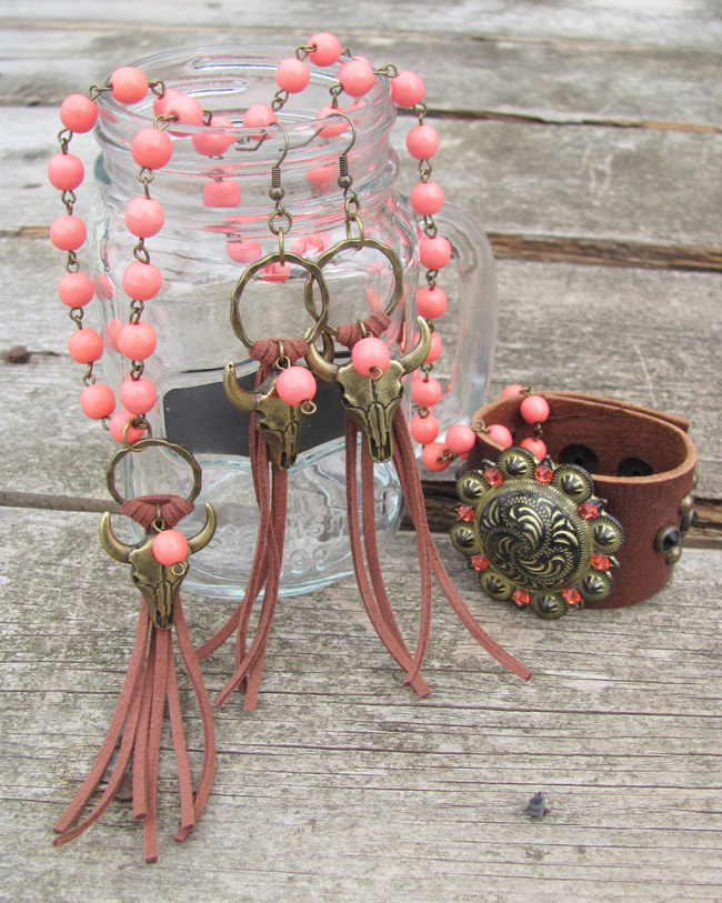 Coral beaded necklace, earrings and bracelet by Rodeo Envy
