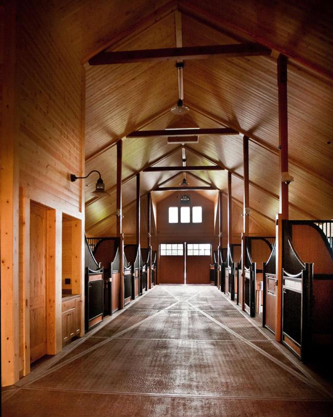 High ceilings and an impressive barn aisle