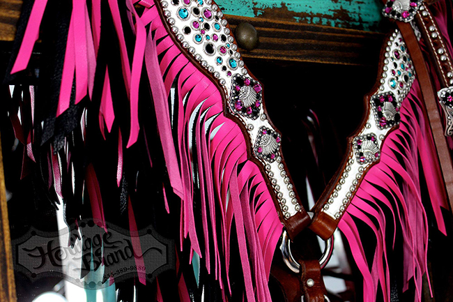 Heritage Brand pink and white fringe breast collar