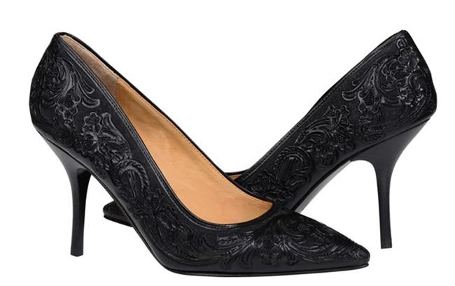 Lucchese Sadie heels in black