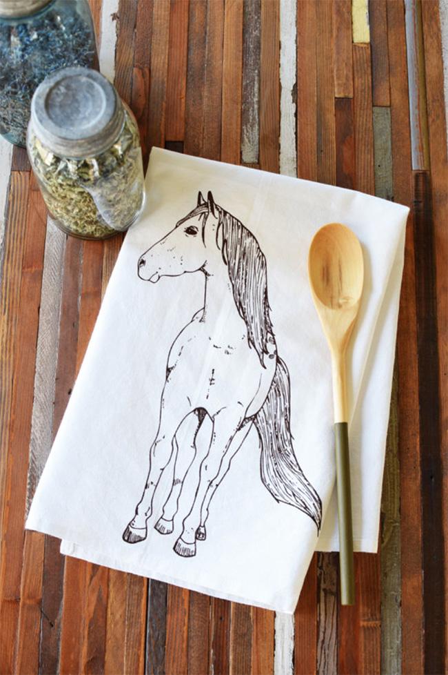 Simple horse tea towel