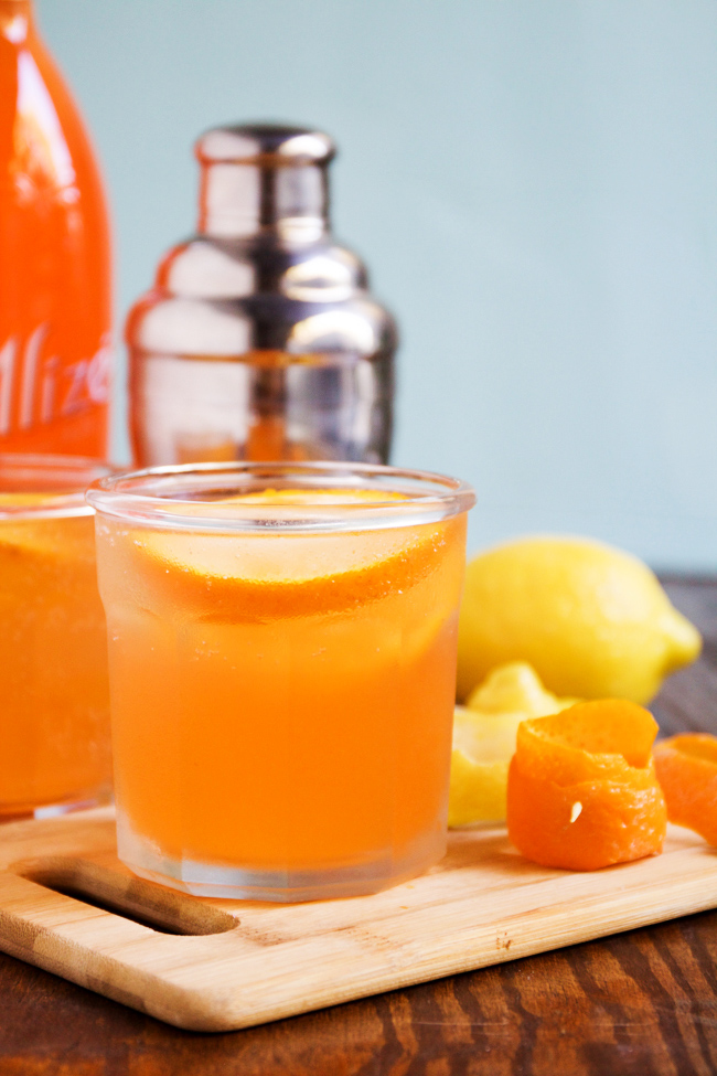 Peach Punch Cocktail recipe for spring and summer