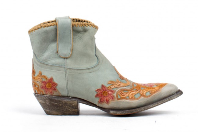 Liberty Boot Company: Pink or Blue