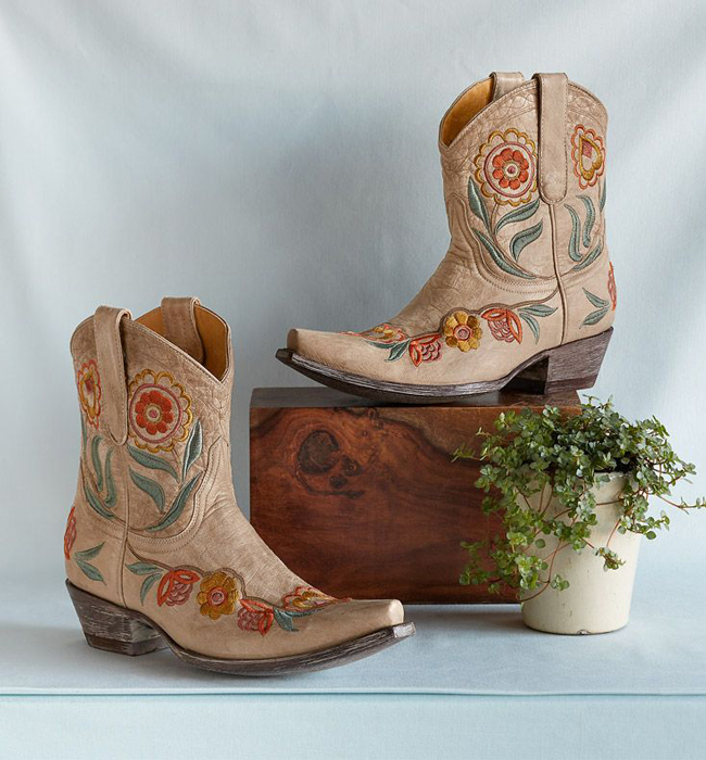 Orenda shortie boots by Old Gringo