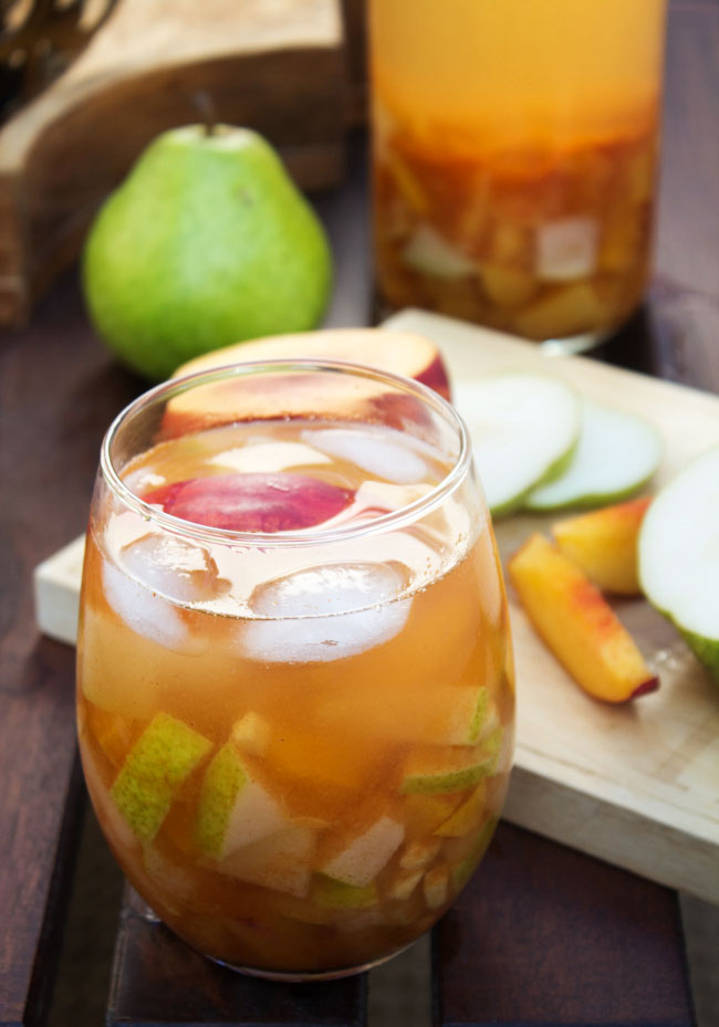 Fruit & Cinnamon Sangria for Fall